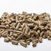 Straw pellets animal bedding
